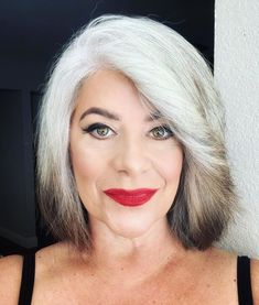 Transitioning to Gray Hair NEW Ways to Go Gray in 2020 – Hair Adviser - Going Gray Hair 2020 Blue Grey Hair, Grey Hair Care, Pastel Blue Hair, Long Gray Hair, Silver Grey Hair, Lilac Hair, Green Hair, Silver Blonde, Bright Hair