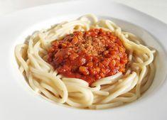 Bologna, Panna Cotta, Spaghetti, Baking, Ethnic Recipes, Food, Recipes, Dulce De Leche, Bakken
