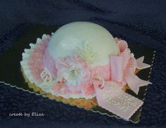 girly hat :) - Cake by Eliza