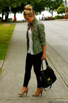 Fabulous outfit!  Military jacket, skinny jeans and a white top.  Perfect with the leopard print pumps!  Women's spring street style fashion outfit