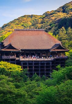 Kiyomizu-dera in Kyoto and its huge wooden stage. So amazing!