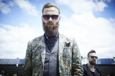 In pictures: 20 most dapper men at Pitti Uomo Mirrored Sunglasses, Mens Sunglasses, How To Look Better, That Look, Dapper Men, Cool Style, My Style, Beard No Mustache, Bearded Men