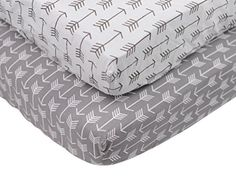 Danha 2 Count Grey White Arrow Crib Sheet Set Danha http://www.amazon.com/dp/B017FA1M68/ref=cm_sw_r_pi_dp_8NS.wb0B6F00X