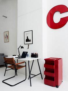 Home office com cadeira de couro