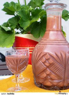 Kaštanové Baileys recept - TopRecepty.cz Alcoholic Drinks, Beverages, Champagne, Liqueur, Baileys, Hot Sauce Bottles, Sweet Recipes, Smoothies, Food And Drink