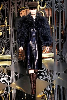 Louis Vuitton Fall 2011 Ready-to-Wear Collection Slideshow on Style.com