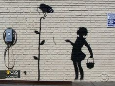 ▶ Graffiti artist Banksy setting up studio in NYC for a month - YouTube