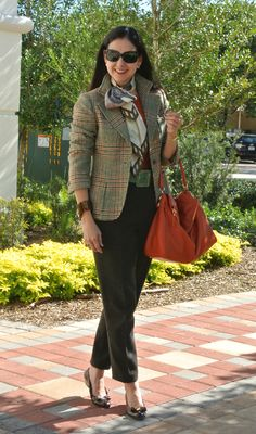 Please vote for my look on Vanity Fair's International Best-Dressed Challenge. Fashion Over Fifty, Over 50 Womens Fashion, Casual Outfits, Fashion Outfits, Fashion Trends, 50 Fashion, Fashion Vintage, Fashion Tips, Winter Stil