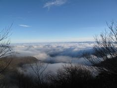 Driving through the clouds on the Blue Ridge Parkway, view over the mountains