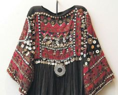 The Love http://www.missesdressy.com/blog/morocco-inspired-fashion-decor.html