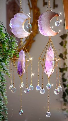Rose Gold Room Decor, Rose Gold Rooms, Crystals And Gemstones, Stones And Crystals, Decor Crafts, Diy Crafts, Crystal Mobile, Money Making Crafts, Fairy Tree