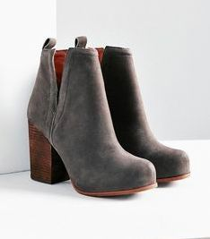 Stunning and trendy ankle boots for the women Have you been thinking about ankle boots or may be even about suede ankle boot. Go to the site just click the grey tab for additional selections :-Sexy women's ankle boots. Sneakers Shoes, Shoes Heels, Louboutin Shoes, Christian Louboutin, Prom Shoes, Vans Shoes, Adidas Shoes, Cute Shoes, Me Too Shoes