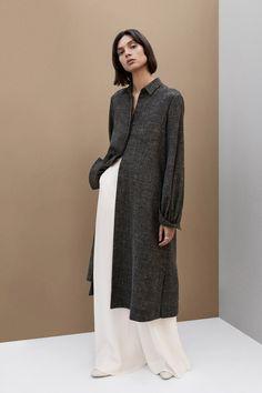Co Fall 2019 Ready-to-Wear Fashion Show - Vogue Muslim Fashion, Modest Fashion, Hijab Fashion, Diy Fashion, Fashion Show, Vintage Fashion, Fashion Outfits, Fashion Tips, Fashion Design