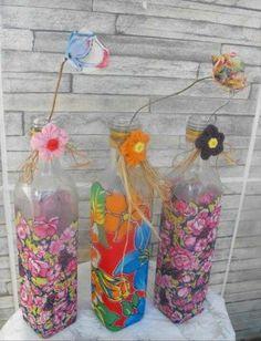 São João – 50 ideias de decoração para as Festas Juninas sem cair no clichê Crafts To Make And Sell, Diy And Crafts, Arts And Crafts, Diy Bottle, Bottle Art, Garrafa Diy, Wine Art, Bottle Painting, Bottles And Jars