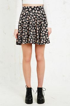 Pins & Needles Skater Skirt in Ditsy http://uoeur.pe/UOWnewin