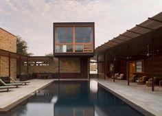 Lake Travis Retreat / Dick Clark Architecture
