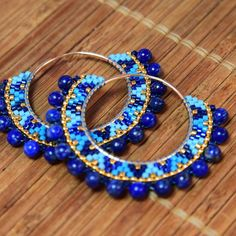 DIY Créoles tissage Brick Stitch Miyuki Delicas Blue Ethnic Creoles in Brick Stitch with Miyuki Delicas Beads Beaded Earrings Patterns, Seed Bead Earrings, Diy Earrings, Beading Patterns, Beaded Bracelets, Hoop Earrings, Bracelet Patterns, Beaded Necklace, Beaded Bead