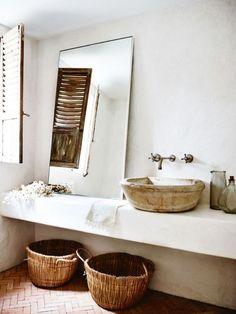 CM Studio Austrailia - Bellevue bathroom Love the plaster walls and sink area (tadelakt?) Love the brick floors Interior, Wabi Sabi, Mediterranean Decor, Dream Bathroom, Bathrooms Remodel, Bathroom Decor, Beautiful Bathrooms, Bathroom Inspiration, Rustic House