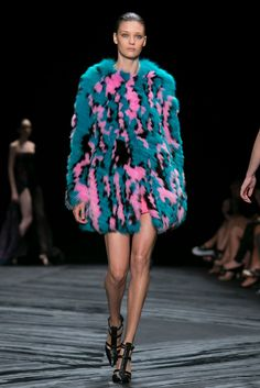 What I'd wear to the ski lodge: A look from the J. Mendel Spring 2015 RTW collection. (Photo: Nowfashion)