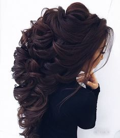 Love to have this hair – friseur Curly Wedding Hair, Wedding Hair Down, Long Curly Hair, Wedding Hair And Makeup, Bridal Hair, Curly Hair Styles, Hair Makeup, Curly Pixie, Quince Hairstyles