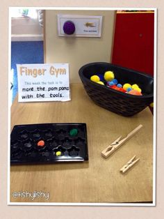 Pom Pom and pegs Fine Motor Activities For Kids, Motor Skills Activities, Gross Motor Skills, Preschool Activities, Indoor Activities, Fine Motor Skills Development, Physical Development, Finger Gym, Reception Class