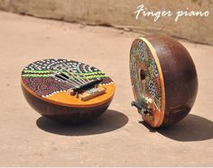 imagens aleatoria de coco - Pesquisa Google Instrument Percussion, Piano, Kalimba, Coconut Shell, Musical Instruments, Musicals, Shells, Folk, Rings For Men