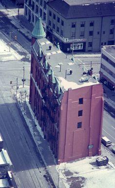 Gooderham Flatiron Building, Toronto, Before the Mural Toronto City, Toronto Canada, Flat Irons, Flatiron Building, Landscape Photos, Gta, Calgary, Architecture Details, Niagara Falls