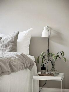 10 Complete Hacks: Minimalist Home Style Couch minimalist bedroom pink inspiration.Minimalist Bedroom Diy Tiny House minimalist home interior small.Minimalist Living Room With Kids Home. Swedish Interior Design, Swedish Interiors, Home Interior, Decor Interior Design, Interior Colors, Interior Modern, Modern Exterior, Interior Paint, Minimalist Bedroom Boho