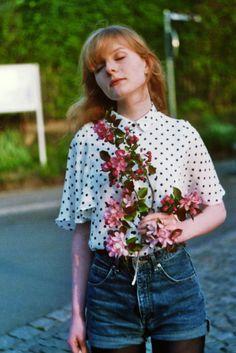 denim shorts, tights, polka dot shirt, flowers, hair. style, summer fashion
