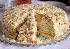 """Торт """"Минутка"""" идеальный вариант для тех, кто не имеет духовки или не хочет её использовать. Ингредиенты: Для коржей: 1 банка сгущенки; 3 ст. муки; 1 яйцо; 1 ч. л. соды (погасить уксусом). Для крем…"""