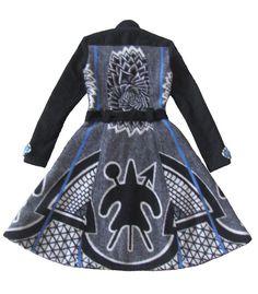 African Traditional Wear, Traditional Wedding Attire, Trench Coat Style, Pula, Kid Art, African Prints, Mandarin Collar, Coat Dress, Petite Fashion