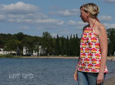 Fabric design by BORA: Rainbow flowers -- Deborah van de Leijgraaf --  photo: Bunte Tupfer