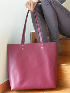You can find more pictures here https://www.facebook.com/MrArtigiano/   This leather tote bag is everyones favourite! This minimalis leather tote bag