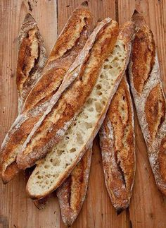 Coarse-pored and highly aromatic: hut baguette recipes backen backen rezepte bread bread bread No Salt Recipes, Bread Recipes, Baking Recipes, Burger Recipes, Grilling Recipes, Baguette Recipe, Homemade Burgers, Artisan Bread, Bread Rolls