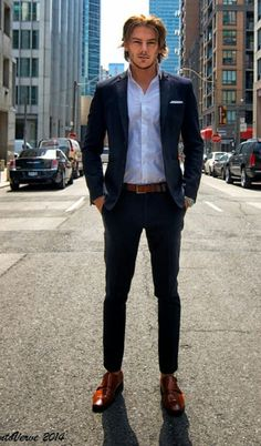 The Street Style Moda Instagram, Moda Blog, Fashion Network, Mens Trends, Sharp Dressed Man, Dress For Success, Gentleman Style, Glamour, Mens Suits