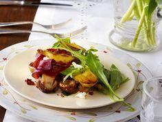 Lauwarmer Kartoffel-Pilzsalat ist ein Rezept mit frischen Zutaten aus der Kategorie Kartoffelsalat. Probieren Sie dieses und weitere Rezepte von EAT SMARTER!