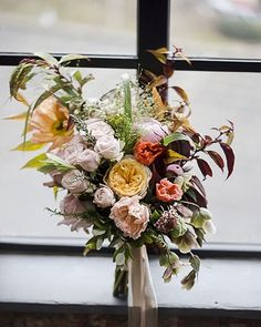 @stephanie_eastwood simply lovely work .. #thenaturalbouquet #flowers #weddingflorist #romantic #natural #Florist #flowers #floraleye #flowergram #floristry #springflowers #romantic #underthefloralspell #instaflowers #inspiration #floraltrend #floraleye #Florist #floristsofinstagram #weddingbouquet