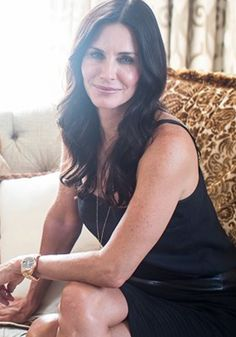 Courtney Cox always looks stunning. Find out she gets her hair so perfect!