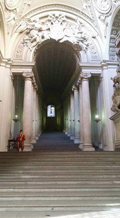 Foto di Eleonora Mancinelli. Scala,forse,santa.