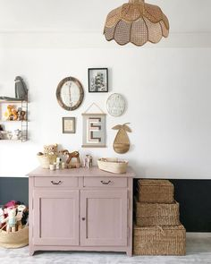 Childerns bedroom with half-half white and blue wall, pink storage and rattan baskets. Photo / home-owner: Pauline Mellinger Childerns bedroom with half-half white and blue wall, pink storage and rattan baskets. Photo / home-owner: Pauline Mellinger Kids Room Inspiration, Room Decor, Family Dining Rooms, Room Inspiration, Decor, Interior, My Scandinavian Home, French Country Bedrooms, Room