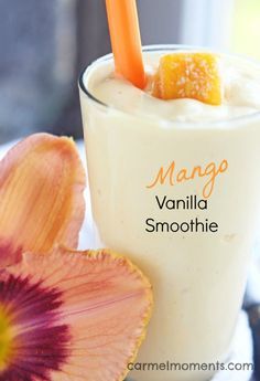 A delicious mango smoothie with the pure goodness of mango and vanilla. This healthy smoothie uses only 4 ingredients and is perfect for breakfast! Yummy Smoothies, Yummy Drinks, Healthy Drinks, Healthy Snacks, Yummy Food, Tasty, Delicious Smoothie Recipes, Mango Smoothies, Nutrition Drinks
