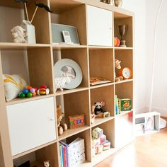 Birch Ikea Shelving Design, Pictures, Remodel, Decor and Ideas – Kallax Ideas 2020 Modern Playroom, Baby Playroom, Nursery Modern, Playroom Decor, Playroom Storage, Playroom Ideas, Basement Ideas, Kallax, Ikea Expedit