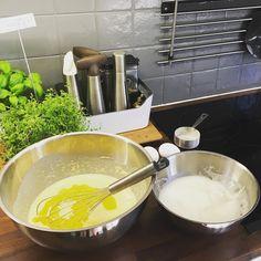 Luvassa vohvelikestit  #leivonta #vohveli #baking #baka #waffle