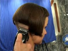 61 minutes ndash Pushing the classic Bob style to new extreme limits Beautiful young Beth goes from shiny dark and long to an extreme and attention Short Styles, Bob Styles, Hair Styles, Shaved Nape, Shaved Sides, Skinhead Reggae, Classic Bob, Bowl Cut, Hair Transformation