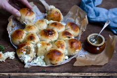 OSTEBOMBER_Chevre-krem og honning-16723 Cauliflower, Muffin, Baking, Vegetables, Breakfast, Food, Morning Coffee, Cauliflowers, Bakken