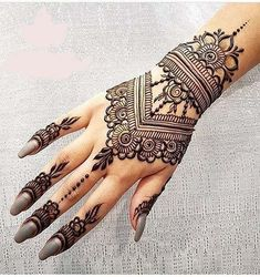 Beautiful Mehndi Design - Browse thousand of beautiful mehndi desings for your hands and feet. Here you will be find best mehndi design for every place and occastion. Quickly save your favorite Mehendi design images and pictures on the HappyShappy app. Henna Tattoos, Henna Ink, Et Tattoo, Henna Body Art, Paisley Tattoos, Mehndi Tattoo, Finger Tattoos, Sleeve Tattoos, Henna Hand Designs
