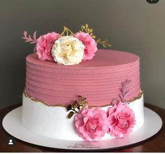 Butterfly Birthday Cakes, Candy Birthday Cakes, Creative Birthday Cakes, Birthday Cake With Flowers, Beautiful Birthday Cakes, Beautiful Wedding Cakes, Beautiful Cakes, Cake Decorating Designs, Creative Cake Decorating