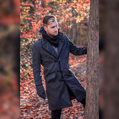 """Cosplayer/gamer Ryan Brandt @FakeNerdBoy looking all sorts of sick in the Assassin's Creed Jacob Coat and Lancaster scarf! He says """"Gonna be wearing this all fall/winter without a doubt!"""" #musterbrand #assassinscreed #jacobfrye #ubisoft #fashion"""