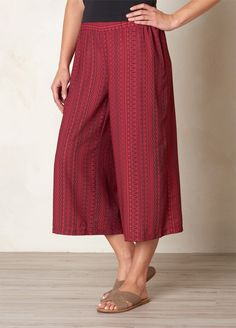 The Kiran Culotte is a must-have in any bohemian capsule wardrobe. Super versatile, with bold print and pattern, head ot prAna.com for more free-spirited summer style.