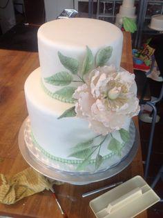 Peonie wedding cake